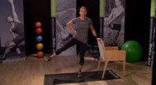 CÓMO TONIFICAR LOS MUSLOS: Lo desafío a descubrir su bailarín interior con mi movimiento con estilo ballet. Trabajará los muslos internos y externos con eficacia, también conocido como los músculos aductores y abductores, área que a menudo es ignorada.