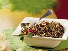 Un delicioso acompañamiento para el pavo muy práctico de preparar. Utilice la olla de cocimiento lento y ahorrese tiempo.