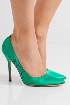 Vetements | + Manolo Blahnik printed satin pumps | NET-A-PORTER.COM