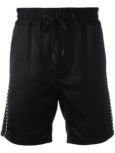 MARC JACOBS contrast piped trim shorts. #marcjacobs #cloth #对比滚边短裤