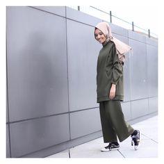 Fashion Editor/Consultant (Moda Editörü / Danışmanı) Lifestyle and happiness officer! hulyaslann@gmail.com Snapchat : hulyaaslann