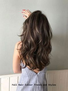 Long Wavy Ash-Brown Balayage - 20 Light Brown Hair Color Ideas for Your New Look - The Trending Hairstyle Brown Hair Balayage, Brown Blonde Hair, Light Brown Hair, Brunette Hair, Hair Highlights, Dark Hair, Cool Brown Hair, Medium Brown Hair With Highlights, Light Brown Highlights
