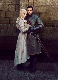 Daenerys and Jon Snow Season 8 - Game of Thrones - Winter Dessin Game Of Thrones, Arte Game Of Thrones, Game Of Thrones Facts, Game Of Thrones Costumes, Game Of Thrones Funny, Game Of Thrones Characters, Jon Snow And Daenerys, Dany And Jon, Game Of Throne Daenerys