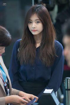Kpop Girl Groups, Korean Girl Groups, Kpop Girls, Cute Asian Girls, Cute Girls, Korean Beauty, Asian Beauty, Twice Tzuyu, Chou Tzu Yu