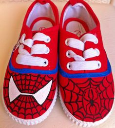 Spiderman sneakers on Etsy, 25,00 €