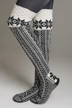 Heklenål 1213 - Viking of Norway Love these socks! Cute Socks, My Socks, Boot Socks, Crochet Socks, Knitting Socks, Knit Crochet, Mode Crochet, Over Boots, Look Formal
