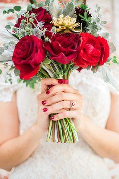 red and gold wedding bouquet @weddingchicks