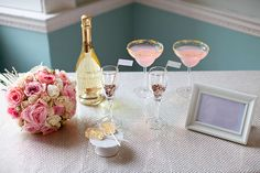 Pink and gold cocktails - Wedding Chicks