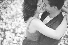 Portraitfotografie von Miriam Peuser Photography www.miriampeuserphotography.de  portrait | couple | love | spring | smile