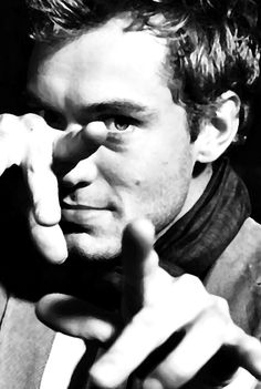 Jude Law WHO ME?! YES PLEASE!