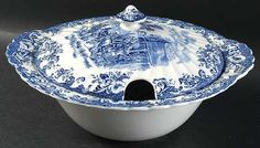 Johnson Brothers Coaching Scenes Blue Large Round Covered Vegetable, Fine China