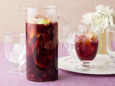 Pomegranate Sangria Recipe from Bobby Flay! #holidayentertaining