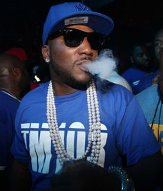 Jezzy - puff, pearls(?!?) & partying Black Mafia Family, Young Jeezy, Party Like Its 1999, I Love Music, Types Of Music, Celebs, Celebrities, Black Is Beautiful, Miami Beach