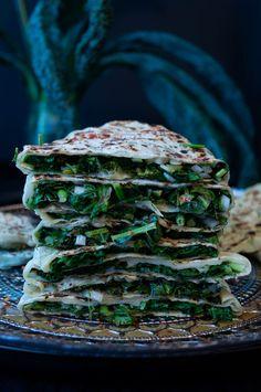 Crunchy Cabinet: traditional Armenian flatbreads with herb filling (Jingalov Hats) Kufta Recipe, Marmalade Cake Recipe, Superfood, Yogurt Drink Recipe, Armenian Recipes, Armenian Food, Kebab Recipes, Green Bean Recipes, Sweet Pastries