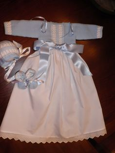 maslanitas: Faldones Bebe Baby, Baby Boy, Baby Dress Patterns, Christening Gowns, Baby Princess, Toddler Outfits, Baby Knitting, Dress Making, Baby Dolls