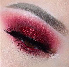 Melt cosmetics - the perfect cranberry eye!