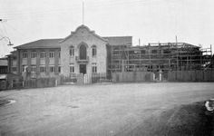 Check out the difference in Milton State School today on a Heritage Trail and compare it to the under construction image here from 1936. #CitySecrets http://bne.cc/1p1jun0