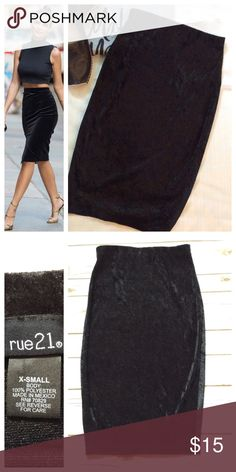 """Velour midi skirt Easy to wear black skirt with pull-on elastic waist. Size XS; 11.5"""" waist and 23"""" length. Great condition Skirts Midi"""