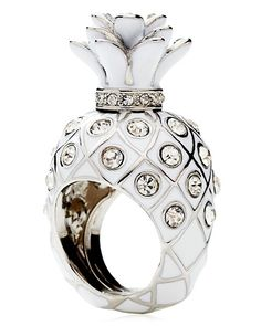 awesome cocktail ring, would look great with a cute sundress and my Juicy sunglasses
