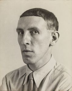 © August Sander, Painter [Heinrich Hoerle], 1928. Collection Lothar Schirmer, Munich © Die Photographische Sammlung /SK Stiftung Kultur – Au...