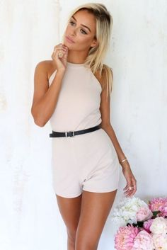 We love this amazing, beige playsuit featuring textured, easy-care fabric, an exposed back and button closures at back neck. Complete the look with silver jewellery! By Sabo Skirt. Holiday Outfits, Summer Outfits, Cute Outfits, Love Fashion, Fashion Looks, Womens Fashion, High Fashion, Estilo Hipster, Corset