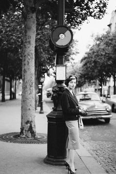 In Photos: Vintage Paris Street Style  - HarpersBAZAAR.com