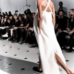 """A minimalist's guide to Paris Fashion Week S/S '16,"