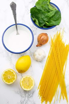 These lemon spaghetti with spinach are the perfect dinner recipe for busy weeknights! I love making one pot meals! They're so easy and comforting. This is one of my favorite vegan dinner recipes! Spaghetti With Spinach, Lemon Spaghetti, Vegetarian Spaghetti, Vegan Pasta, Vegan Dinner Recipes, Delicious Vegan Recipes, Vegan Dinners, Vegetarian Recipes, Healthy Recipes