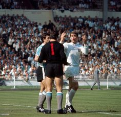 England 1 Argentina 0 in 1966 at Wembley. A couple of Argentina players get upset with Geoff Hurst in the World Cup Quarter Final.