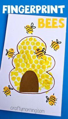 Bubble Wrap Beehive + Fingerprint Bee Craft - Crafty Morning For Kids Luftpolsterfolie Bienenstock + Kids Crafts, Daycare Crafts, Classroom Crafts, Toddler Crafts, Preschool Crafts, Projects For Kids, Preschool Art Projects, Craft Kids, Preschool Kindergarten