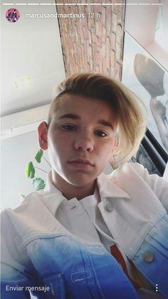 Anyone else notice that Martinus literally NEVER takes selfies and Marcus is over here taking 50 selfies a minute whatever he takes good selfies ❤❤ Taking Good Selfies, M Photos, Handsome Boys, Bff, Cute Pictures, Fangirl, Have Fun, Singer, My Favorite Things