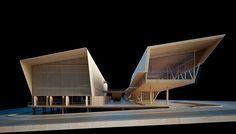O pavilhão é constituído por dois blocos paralelos que se comunicam. O mais próximo da avenida tem poucos pontos de apoio