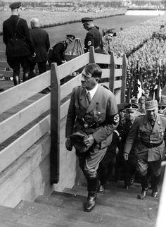 Adolf Hitler Photos & Historical Info : Photo