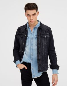 Ripped denim jacket - Denim jackets - Coats and jackets - Clothing - Man - PULL&BEAR Poland