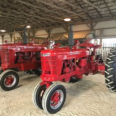 Dropped off and ready for next weeks county fair! Big parade on Saturday!! #antiquetractor #farmallm #farmallh #antiquetractors…