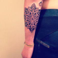 Tattoo Tendance, Tatouage Caroline, Bras Femme, Tatouages Inspo, Tatouage Avant, Femme Recherche, Tatoo   , Un Favoris Ii, Tatouages \u200b\u200bFloraux Ornementaux
