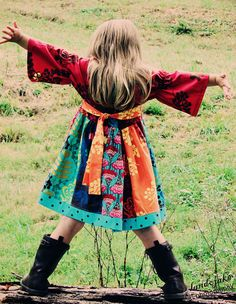 I want a little girl who'd love a dress like this.