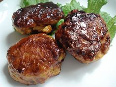 Two kinds of chicken tsukune: Stewed dumplings and panfried mini-burgers