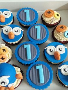 Giggle and hoot cupcakes by sweet chini