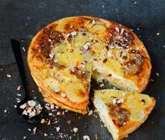 La recette de la tarte sans pâte aux pommes de terre, au gorgonzola et aux noisettes