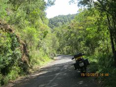 Bloukrans pass Plettenburg Bay and Jeffreys Bay Mountain Pass, South Africa, Cities, Beautiful Places, Country Roads, Van, African, Camping, Garden