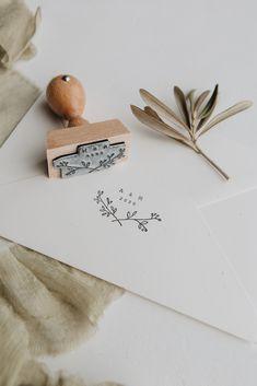 Personalisierter Stempel – Monogram floral – Famous Last Words Wedding Goals, Our Wedding, Wedding Planning, Dream Wedding, Wedding Stationary, Wedding Invitations, Invites, Invitation Cards, Perfect Wedding