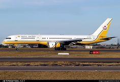 Boeing 757-2M6 V8-RBA 23452 Sydney Kingsford Smith Int'l Airport ...
