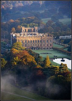 "Chatsworth, Derbyshire, England by Ally Mac Lieu de tournage des films ""Pride & Prejudice"", ""The Duchess"", ""The Wolfman"" Oh The Places You'll Go, Places To Travel, Places To Visit, Travel Stuff, England And Scotland, England Uk, Travel England, England Houses, Chatsworth House"