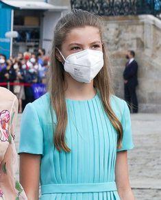 Princess Of Spain, Prince And Princess, Princes Sofia, Estilo Real, Spanish Royal Family, Royal Queen, Queen Letizia, Little Girl Fashion, Queen Victoria