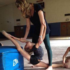 @pilar_munoz_ - Time to stretch!