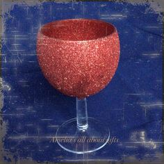 Glittered small wine glass Wine Glass, Alcoholic Drinks, Sparkle, Glitter, Rose, Gifts, Pink, Presents, Alcoholic Beverages
