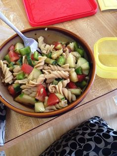 21 Day Fix!! Tired of salad for your greens? Try 2 green containers filled with cut peppers, tomatoes, and cucumbers & 1 yellow container with whole wheat pasta topped with balsamic vinegar! #21DayFix #fitmom  Do you like what you see?? More recipes and support CLICK LIKE at my fit page link --->  www.facebook.com/alwaysfun2Bfit