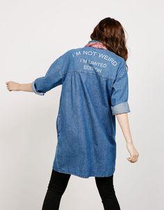 Back text long denim jacket - Back to School - Bershka Tunisia
