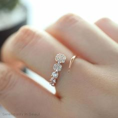Black Diamond Engagement Ring Set Princess Cut Bridal Set White And Rose Gold Flower Rings - Fine Jewelry Ideas Antic Jewellery, Fancy Jewellery, Gold Rings Jewelry, Stylish Jewelry, Silver Bracelets, Sterling Silver Jewelry, Diamond Jewelry, Fine Jewelry, Silver Ring